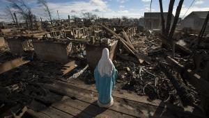 Krajobraz po huraganie Sandy, Nowy Jork, USA. Autor: Scott Eells, Kategoria: Zmieniający się świat 2012