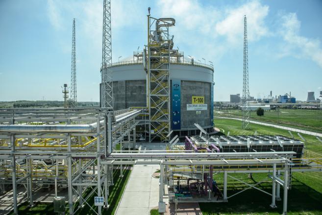 """Zakłady azotowe w Puławach - stokaż amoniaku. Podczas konferencji prasowej, 29 bm. poinformowano o """"Inwestycjach 2015-2021 - Nowej energii dla Lubelszczyzny""""."""