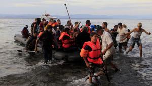 Uchodźcy z Syrii docierają do Grecji