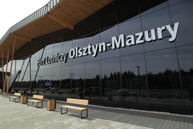 Terminal portu lotniczego Olsztyn- Mazury w Szymanach (kru) PAP/Tomasz Waszczuk