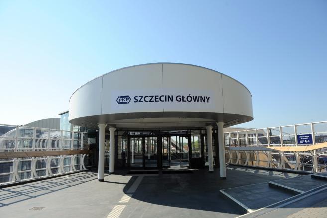 Dworzec kolejowy Szczecin Główny po modernizacji  fot. (ukit) PAP/Marcin Bielecki