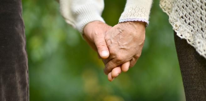 para dziadkowie emeryt emerytura