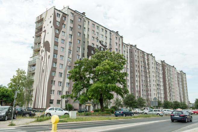 Wrocław - instalacja solarna na dachu bloku  (mk/mr) PAP/Maciej Kulczyński
