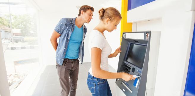 bankomat, karty, kradzież