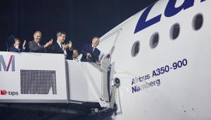 Chrzciny samolotu. Pierwszy A350 we flocie Lufthansy został nazwany Nürnberg, czyli Norymberga. Fot. Materiały prasowe