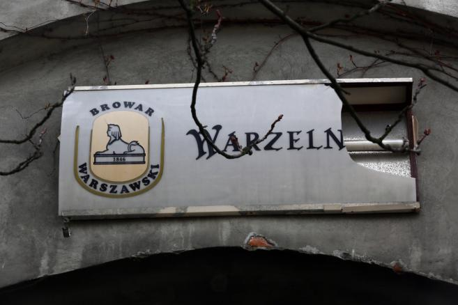 Teren byłych Browarów Warszawskich, w kwartale ulic Grzybowskiej, Wroniej, Chłodnej i Krochmalnej, 9 bm., gdzie powstaje osiedle mieszkaniowe. Budowa kompleksu kilkunastu apartamentowców i budynków biurowych ma zostać zakończona w 2020 roku.  Fot. (cat/kru) PAP/Tomasz Gzell
