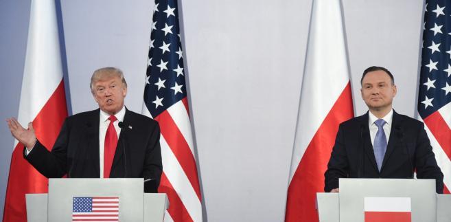 Prezydent Stanów Zjednoczonych Ameryki Donald Trump i prezydent RP Andrzej Duda podczas wspólnej konferencji prasowej, po spotkaniu w cztery oczy na Zamku Królewskim w Warszawie.