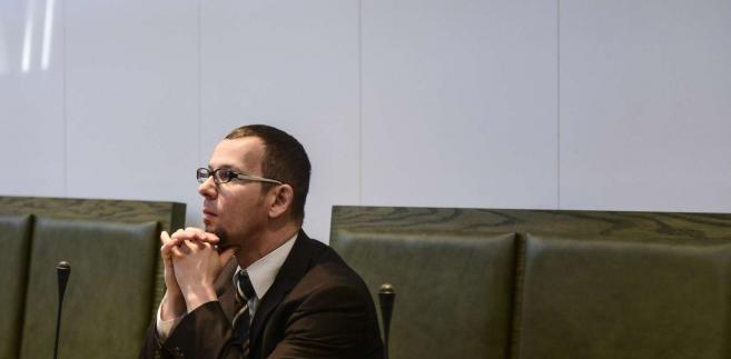 Oskarżony Mirosław Topyła na sali rozpraw Sądu Najwyższego w Warszawie, 20 bm. Sąd Najwyższy uniewinnił obwinionego sędziego, któremu za kradzież 50 złotych na stacji paliw wymierzono karę usunięcia ze stanu sędziowskiego.