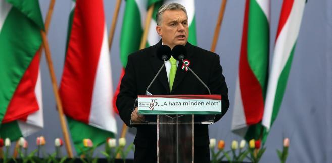 Viktor Orban w czasie przemówienia w Budapeszcie. 15.03.2018