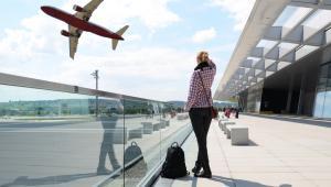 Turystka na lotnisku