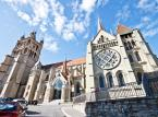 Katedra w Lozannie jest przykładem szczytowego osiągnięcia tzw. gotyku burgundzkiego. Jej poświęceniu w 1275 r. przez biskupa Wilhelma de Champvent towarzyszyła msza dziękczynna, odprawiona przez papieża Grzegorza X.