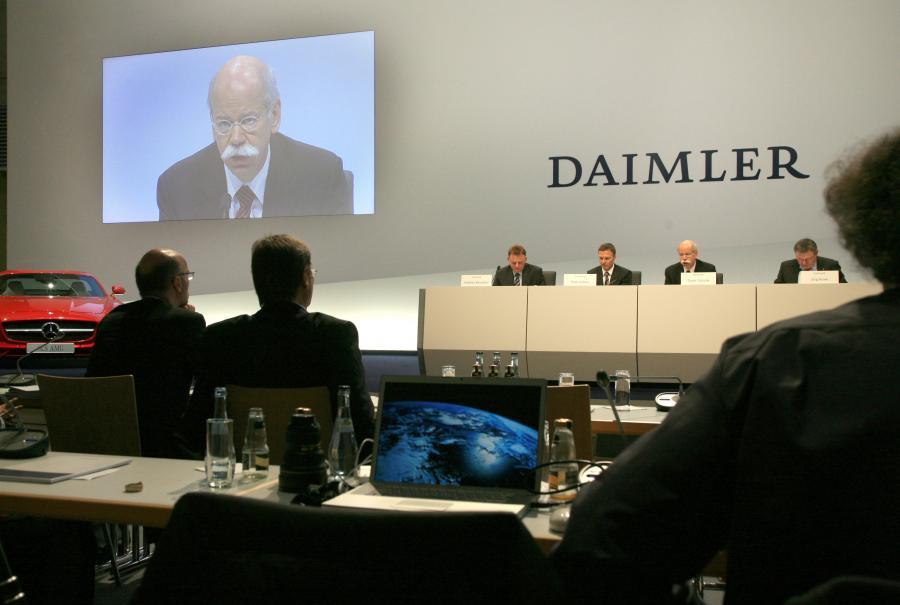 Zebranie akcjonariuszy koncernu motoryzacyjnego Daimler w Stuttgarcie, luty 2010.
