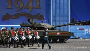 Zepsuty rosyjski czołg nowej generacji T-14 Armata EPA/SERGEI CHIRIKOV Dostawca: PAP/EPA.