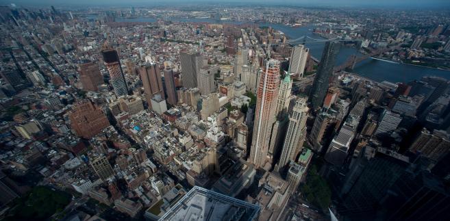 Widok na Manhattan z wieżowca One World Trade Center. fot. Craig Warga/Bloomberg