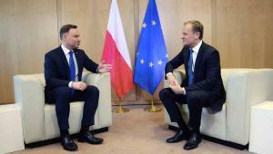 Bruksela, Belgia, 18.01.2016. Prezydent Andrzej Duda (L) i szef Rady Europejskiej Donald Tusk (P) podczas spotkania w Brukseli, 18 bm. Spotkanie dotyczy spraw europejskich, m.in. kryzysu migracyjnego, Brexitu i polityki energetycznej, w tym sprawy Nord Stream 2. (ukit) PAP/Jacek Turczyk