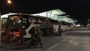 Nocna przesiadka na lotnisku we Wrocławiu