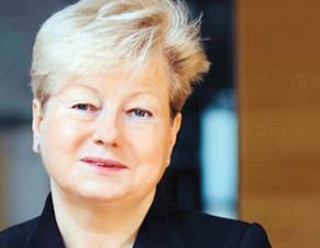 Jolanta Choińska-Mika historyk, dr hab. prof. Uniwersytetu Warszawskiego, wieloletni pracownik Instytutu Historycznego UW. W latach 2007–2008 kierowała zespołem przygotowującym podstawę programową z historii i wiedzy o społeczeństwie fot. Materiały prasowe
