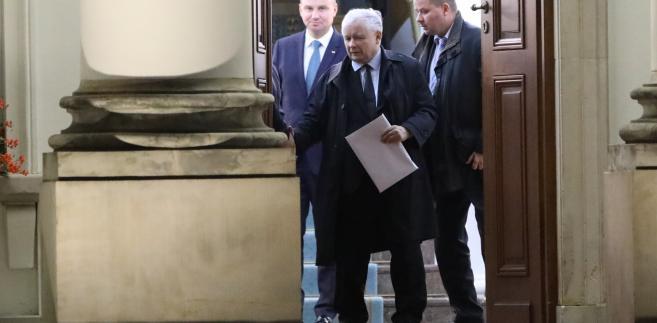 Prezes PiS wychodzi z Belwederu po spotkaniu z Andrzejem Dudą