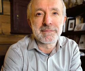 """Grzegorz Lindenberg doktor socjologii, zajmuje się tematami afrykańskimi, współzałożyciel """"Gazety Wyborczej"""" i """"Super Expressu"""" fot. mat. prasowe"""