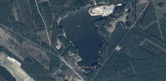 Zamek w Puszczy Noteckiej, Stobnica, zdjęcie satelitarne Źródło: Google Maps