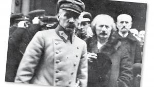 Józef Piłsudski i Ignacy Paderewski po nabożeństwie w katedrze św. Jana, luty 1919 r. fot. NAC