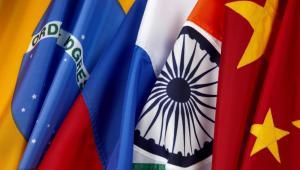Flagi krajów BRIC For. Shutterstock