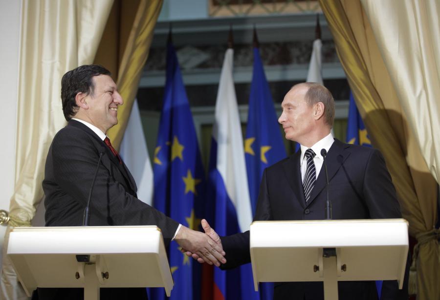 Przewodniczący Komisji Europejskiej, Jose Manuel Barroso i premier Rosji WładimirPutin. fot. Bloomberg