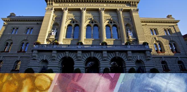 Szwajcarski Bank Narodowy i frank szwajcarski, fot. Bloomberg