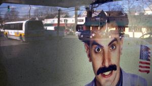 Plakat z filmu Borat: Podpatrzone w Ameryce, aby Kazachstan rósł w siłę, a ludzie żyli dostatniej